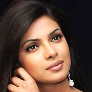 Piggy Chops says no for the nude films Bollywood DESI GIRL Priyanka Chopra ...